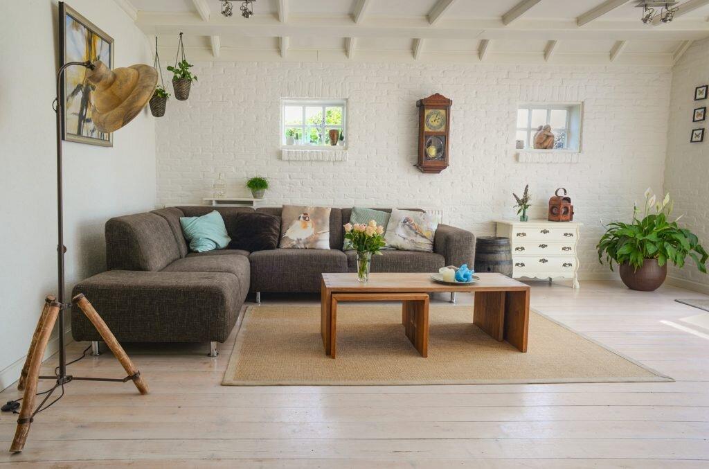 Como fazer um bom uso de almofadas na decoração - paleta de cores e estampas