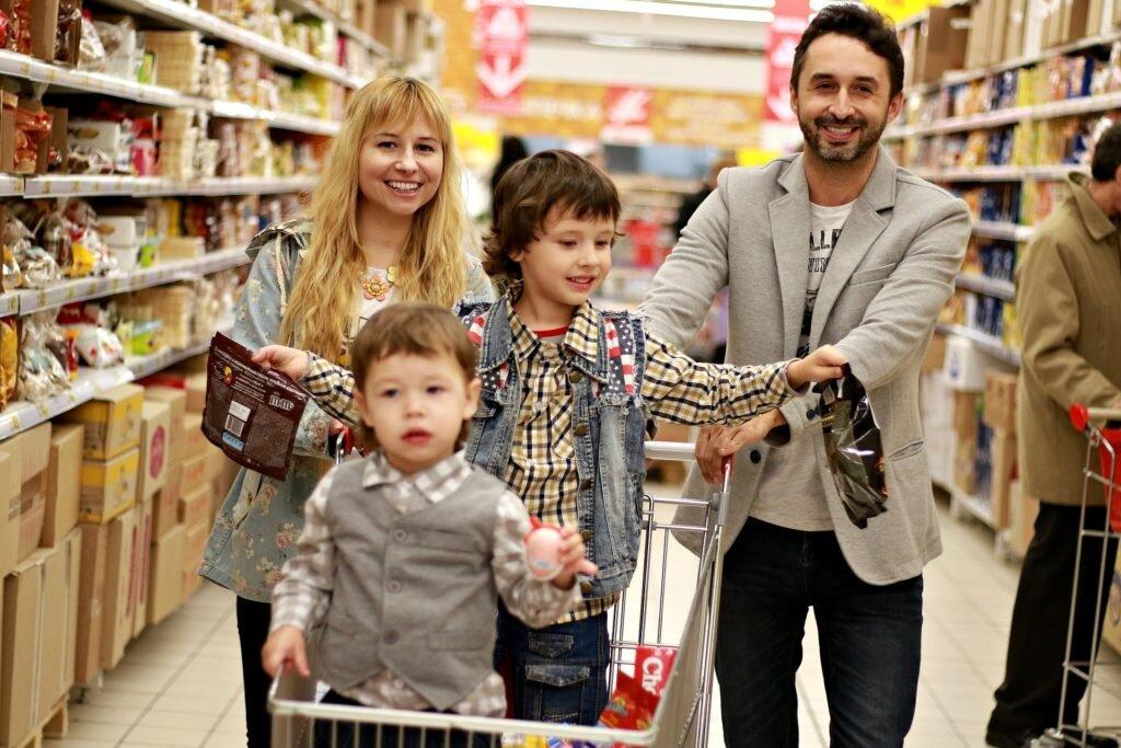 Economizar nas compras de supermercado - levar crianças