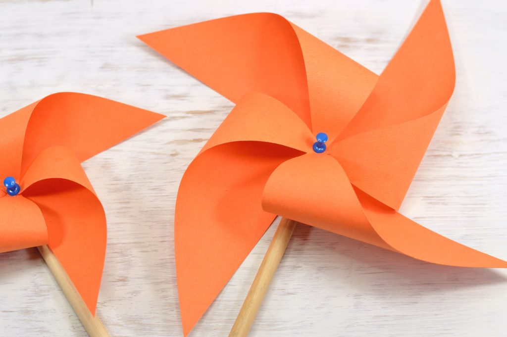 O que fazer com as crianças nas férias escolares - brinquedos de papel