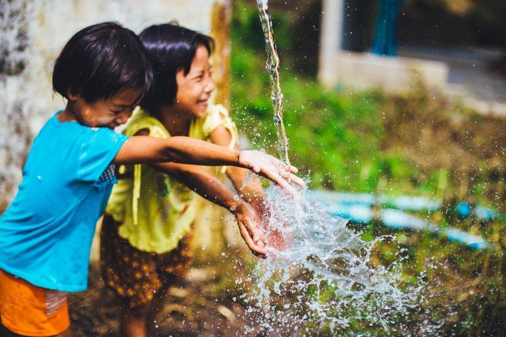 O que fazer com as crianças nas férias escolares - parque água