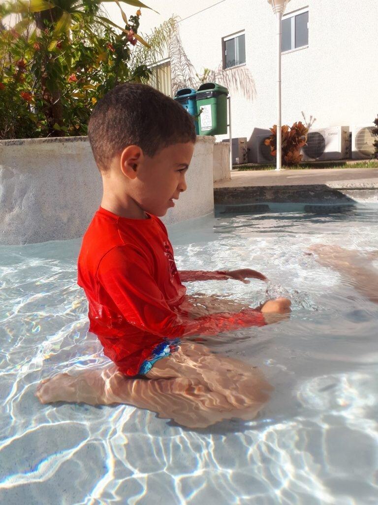 Piscina infantil do resort Encontro das águas parece prainha 2