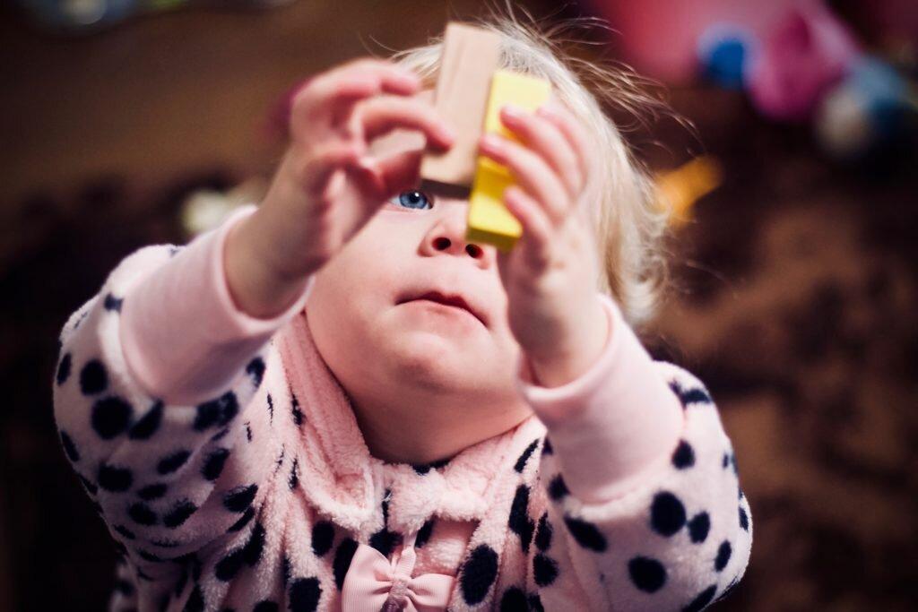 Brinquedos para criança conforme a idade do desenvolvimento - estímulo