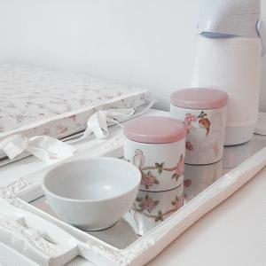 Kit-Higiene-pintado-a-mão-exclusivamente-para-o-seu-bebê_-Conheça-mais-e-m-nossa-loja