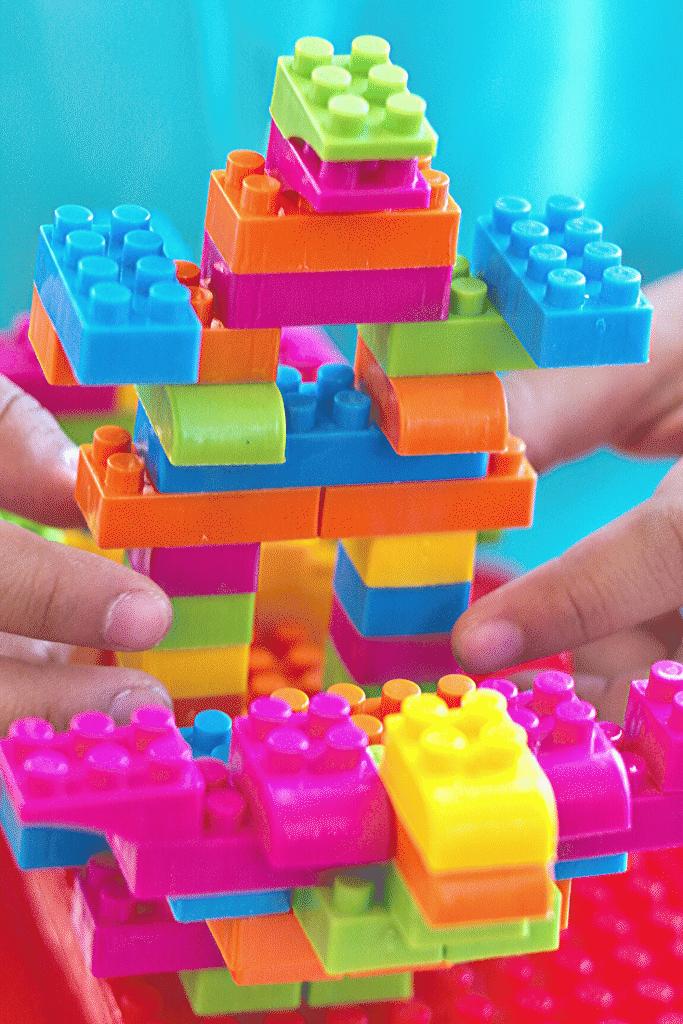 brinquedos-que-estimulam-o-desenvolvimento-infantil-2-1