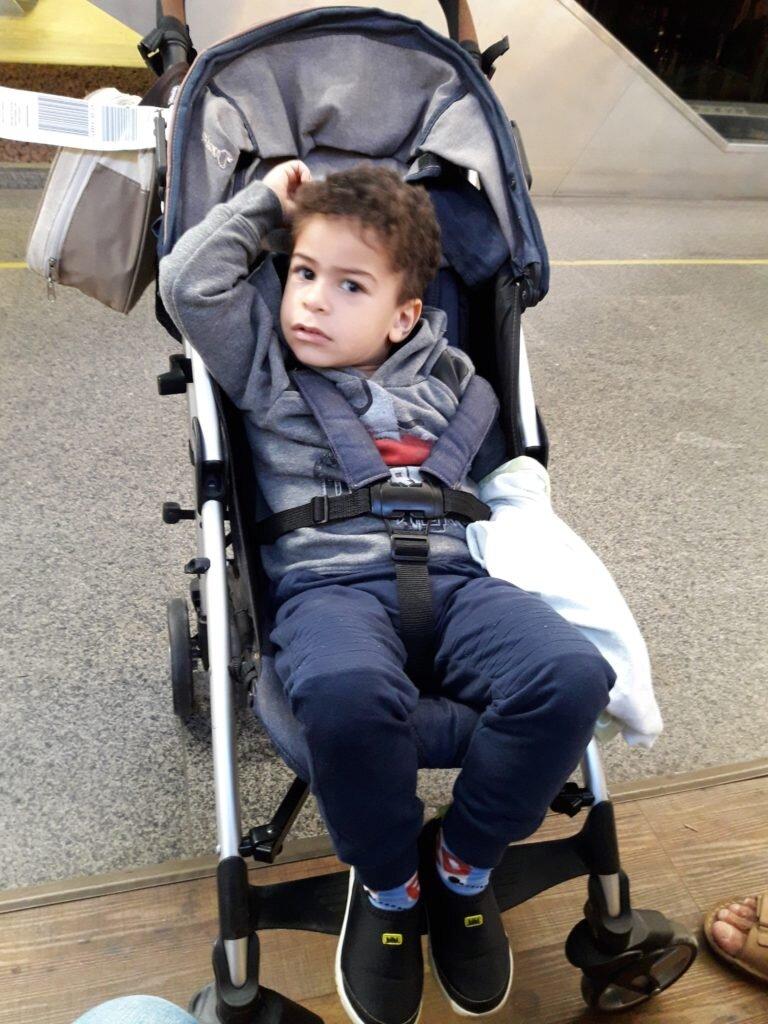 Estêvão no carrinho Chicco Liteway, com 3 anos de idade!